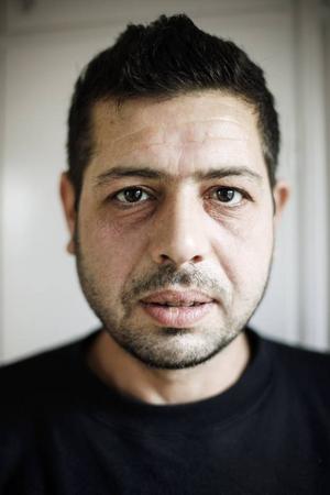 Imad Ibrahim, väntar att han ska få återförenas med sin familj.Foto: Susanne Kvarnlöf