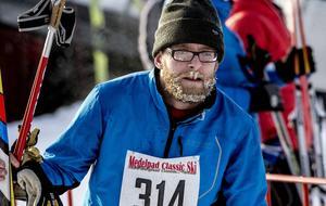 Andrée Viklund passerade mållinjen med frostigt skägg.
