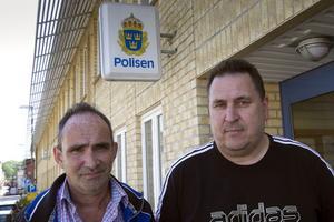 Eddie Bikoff och Thomas Wik vid Hudiksvalls polisen har tagit emot fina utmärkelser.