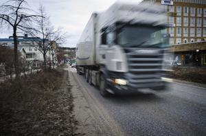 Dubbdäck sliter upp partiklar från asfalten och är ett problem för miljön i centrum.