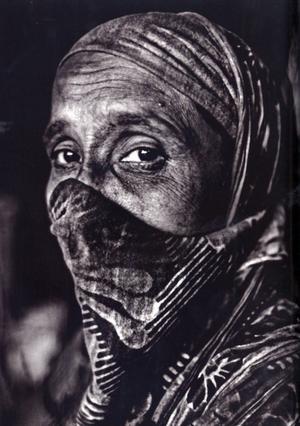Dhaka, Bangladesh. 10.47. Rahela har fått svår astma av sitt arbete.