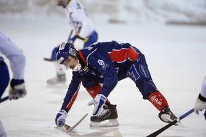 Axel Froms har tidigare spelat i finska högstaligan. Nu fick han stöta på en hel del finskt motstånd igen.