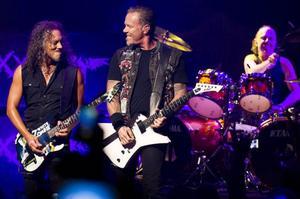 Kirk Hammet, James Hetfield och Lars Ulrich i Metallica spelar på Gärdet i Stockholm nästa sommar.