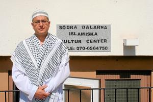 Hassan Sadaka är imam i Avesta och håller i bönestunder varje fredag. Under ramadan hålls moskén öppen 24 timmar om dygnet