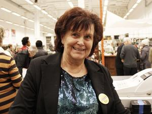 Ingalott Danielsson har jobbat ideellt på Erikshjälpen i flera år. Hon tycker det blir för långsamt som pensionär annars.