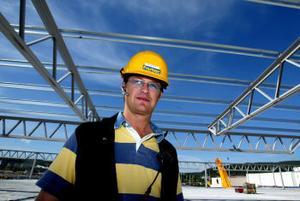 Nya Ikea är största bygget hittills för Anders Olsson och hans anställda på Fastec. —Vi ska hinna klart till slutet av april, säger han.