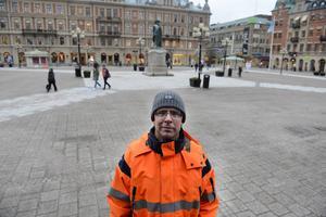 Stefan Näslund, projektledare, förklarar att den stora byggboomen på Stora torget i Sundsvall blir sommaren 2016.