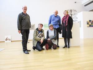 Kretsenmedlemmarna Göran Pettersson, Olof Näslund, Maud Probst-Rönnbom, Birger Svanteson och Ulrika Wistrand deltar i jubileumsutställningen.