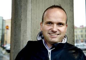 Lars Persson Skandevall är projektledare för det projekt som ska ge fler nyanlända chans att arbeta med IT.