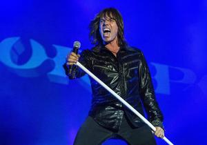 Europe-sångaren Joey Tempest under gruppens spelning på Sweden Rock i somras. Nu släpps konserten på dvd.