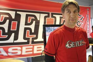 Niclas Matsson är en av de engagerade föräldrarna i Gefle Baseballklubb.