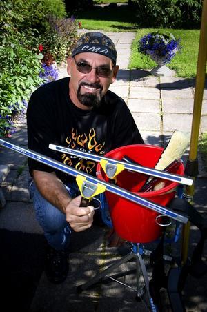 Många patent. Sören Samuelsson har patent på tolv produkter inom fönsterputsningsbranschen. Foto:Janne Eriksson