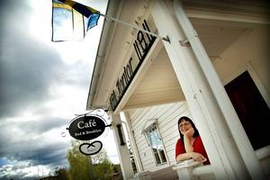 Efter snart tre år kan Ann-Britt Wallin utöka vandrarhemmet med åtta platser.