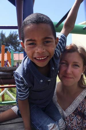 Freddy är ett av barnen som Kajsa Larsson tar hand om på barnhemmet i Kapstaden.