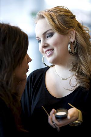 Felicia Holm har bott i Malaysia, förlovat sig i Dubai och drömmer om att skaffa barn och bli make up artist i New York.Foto: Margareta Andersson