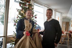 Per Rydberg och Jan-Erik Svecke hoppas få ge bort många klappar även i år.