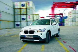 BMW X1 är en lägre, nättare och roligare SUV. Priset börjar på 288 000 kronor men kan nära på bli hur högt som helst.