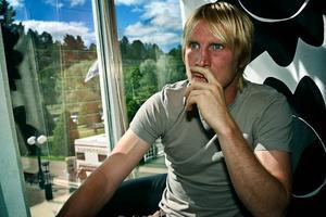 Petter Hansson missar troligen avgörandet i VM-kvalet mot Danmark och Albanien.