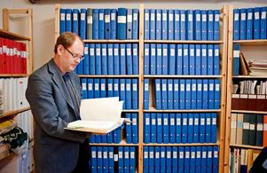 Organisationen Ufo-Sverige får dagligen in observationer från personer i Sverige och har ett gediget arkiv med rapporter. På bild syns Ufo-Sveriges vice ordförande Clas Svahn. Arkivbild.