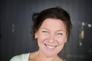 Lotta Enberg uppträder på Dansbands jubileumskonsert på Dansbandsveckan.
