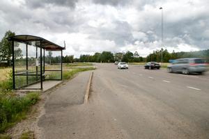 Till sommaren ska riksväg 50 byggas om, bland annat ska den smalnas av.