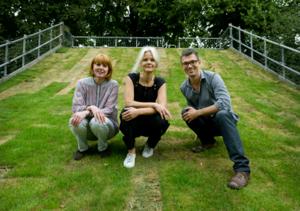 Konsttrio i Sumpan. Helena Selder, konstintendent, hoppas tillsammans med de två konsthallscheferna Bettina Pehrsson och Johan Börjesson att deras konsthall ska göra skillnad.