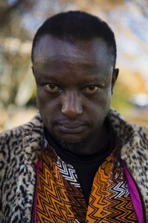 2014 kom Binyavanga Wainaina ut som gay genom den uppmärksammade texten