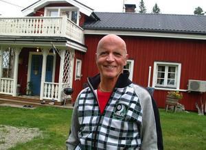 Den skogsförvaltande stiftelsen Kyrkkilen är intresserad av att lägga ett bud på prästgården, förklarar, Bertil Lundström som är ordförande  i stiftelsen.
