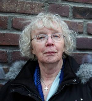 Margareta Winge4 släppte i förra veckan sin omskakande barndomsskildring och toppar det med ny diktsamling, full fart i skrivfabriken