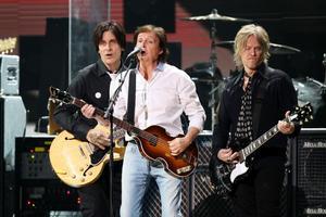 Paul McCartney sjöng för offren för stormen Sandy.