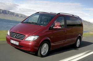 Konkurrent: Mercedes-Benz Viano 2,2 CDI, 379 000 kronor.8-sitsig. Kan kombineras med 4x4. Minst busskänsla.
