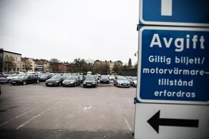 Under fyra dagar den här veckan, fram till och med torsdag 18 april, kommer bara hälften av platserna på Gamla posten-parkeringen att vara öppna för parkering. Resten av marken ska miljöundersökas.