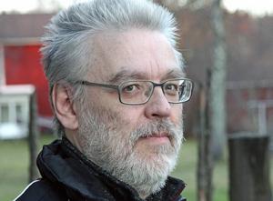 – Tänker man på konsekvenserna för en grabb som är så extremt känslig för förändringar? Det vill jag att Jan Bohman svarar på mellan fyra ögon, säger Ronny Wallin, Borlänge.