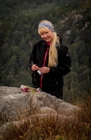 Så här ser en vinnare ut. Annika Elthammar har ofta kameran med sig vart hon än ska.