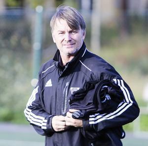 Bollnäs tränare Torbjörn Nilsson var inte nöjd med vare sig domarinsatsen eller egna laget.