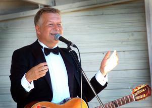 Profilen Benny Astor vill öppna ett nöjesställe i Falun och letar efter en lämplig lokal.
