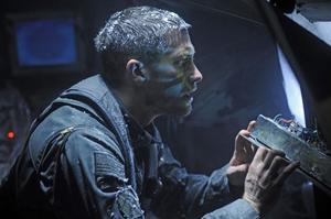 I Source code spelar Jake Gyllenhaal en soldat som får ett ovanligt uppdrag: att utreda ett bombdåd genom att uppleva en av de omkomnas minnen.Foto: Noble Entertainment