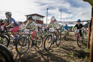 Den långa sträckan hade 95 deltagare, halvan hade elva och barnloppet kördes av 25 barn
