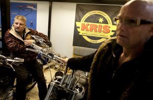Kris vice ordförande Steve Holm och ordförande Lasse Liljegren.