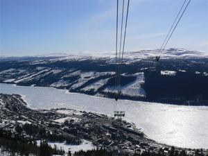 Bilderna är tagna i kabinbanan och från toppen på Åreskutan nu under påsken. Foto: Tony Karlsson