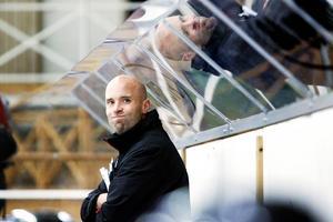 Lindefallets tränare Fredrik Danell hoppas på starkast möjliga lag med ner till tisdagens nyckelmatch mot Strömsbro.