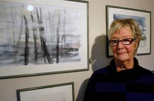 Lena Lilliehöök fortsätter utveckla sina akvareller och visar nya bilder på Galleri Eken.