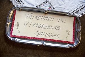 – Jag skämtar lite med Wallmans och kallar det Wiktorssons salonger.