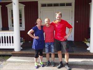Gabriella Röschmann, Torbjörn Lindström, Rickard Hagström ställer upp för Nävertjäls Triathlon. Foto: Kjell Larsson