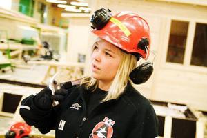 Erika Norderud tycker att det gått bra hittills och är inte orolig för att skateboardramperna inte ska bli klara innan sommarlovet.