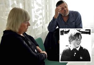 Än i dag finns det inget svar om vad som hänt Johan. Nu vill föräldrarna ha upprättelse från staten.