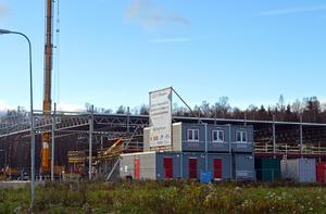 Här har den nya Audi-anläggningen börjat byggas. Ytterligare bilhandel planeras i området.