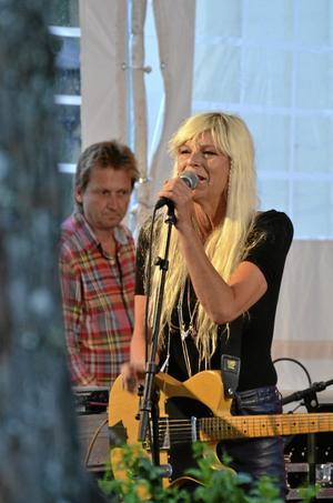 Skrivit en roman. Kajsa Grytt slog igenom med punkgruppen Tant Strul på 80-talet och har i år kommit med romanen Nio dagar, nio nätter.