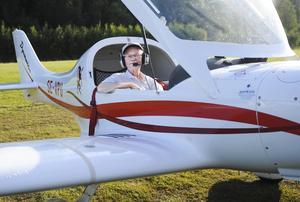 Flyglärare Urban Bengtsson har haft flygcertifikat i över 30 år.