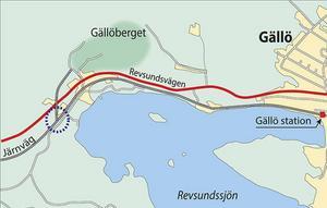 Det inringade området t.v. visar var det tunga vattnet den 5 oktober 1944 lastades över från det tåg som gått från Ljungaverk som stod på stickspåret, till det tyska transiteringståget på huvudspåret.